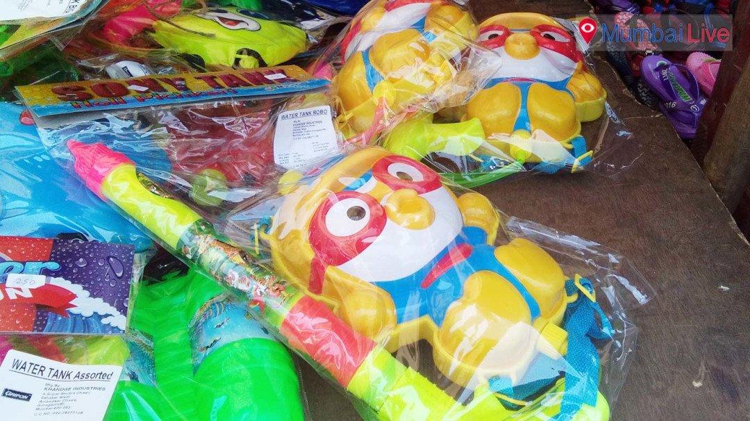 Cartoon characters on Holi items to woo kids