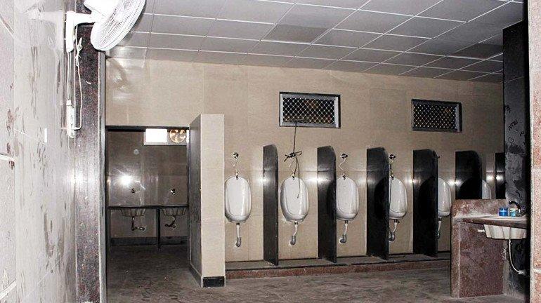 कुर्ला, कल्याण, डोंबिवली रेल्वे स्थानकांत महिन्याभरात नवीन शौचालय