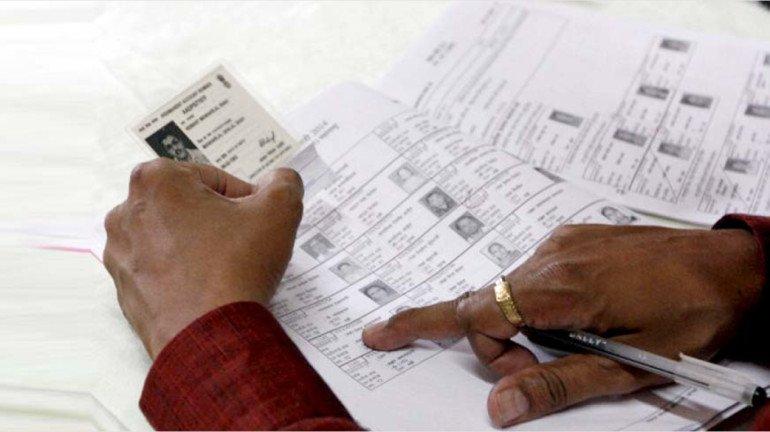 EC sends poll plaints against Uddhav Thackeray, Aaditya Thackeray and Supriya Sule