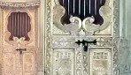 मालाडमध्ये मंदिरातून 7 लाखांचे दागिने लंपास