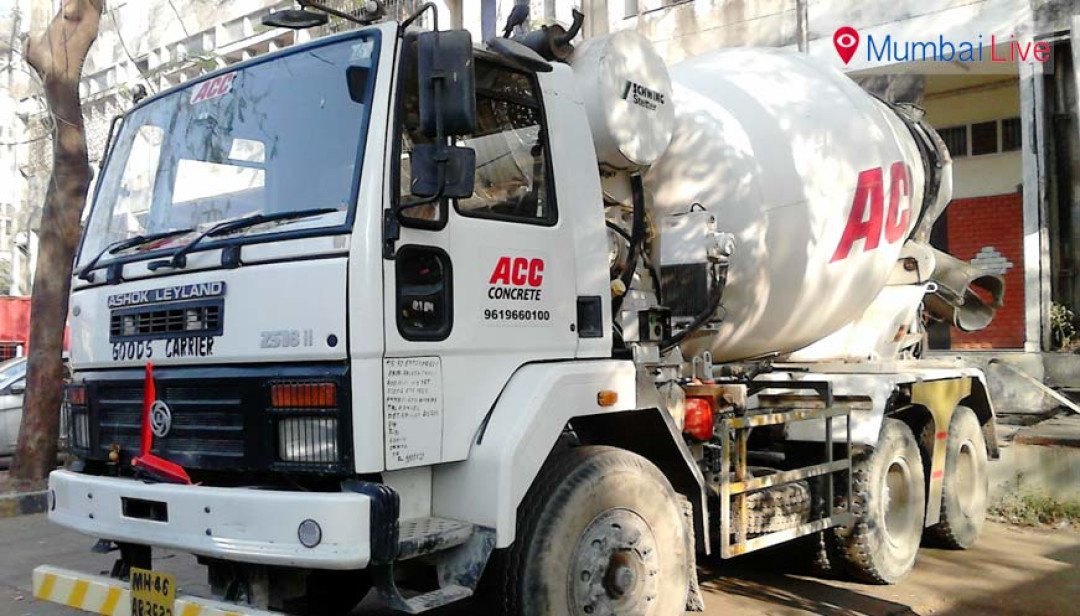 Cement mixer truck crushes cleaner to death