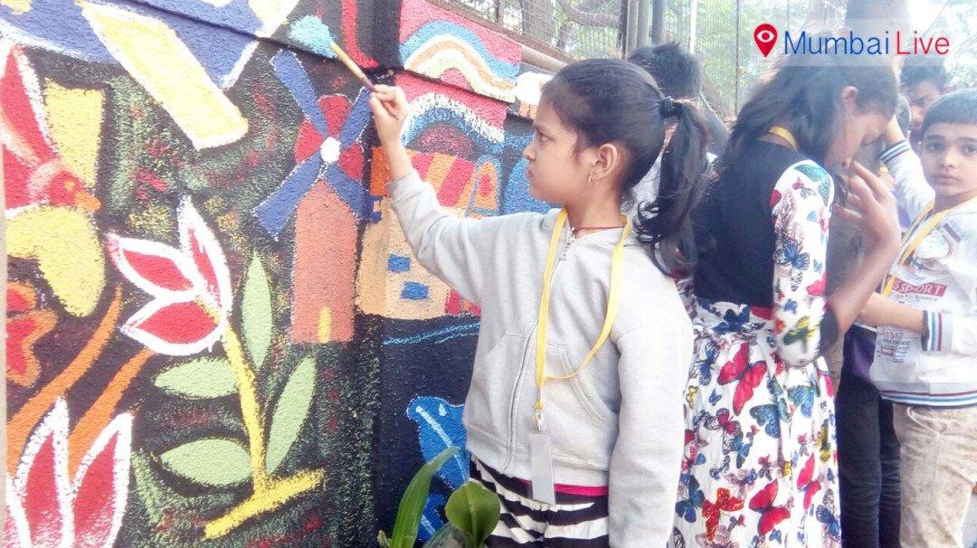 पेंटिंग से स्वच्छता अभियान का संदेश
