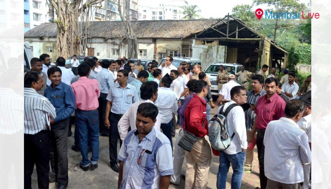 Contractors protested against Chandrakant Patil