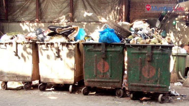 क्रॉफर्ड मार्केट भागात जादा कचऱ्याच्या डब्यांची मागणी