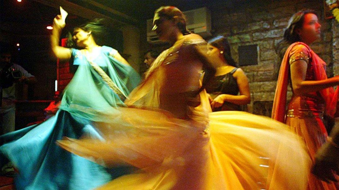 Tilak Nagar Police raids a bar in Chembur, rescues 23 bar girls