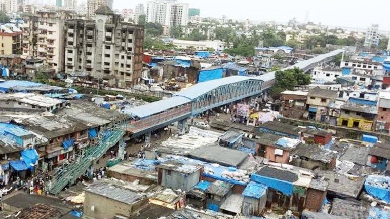 Dharavi: Social Distancing Rules Flouted During COVID Vaccination Drive