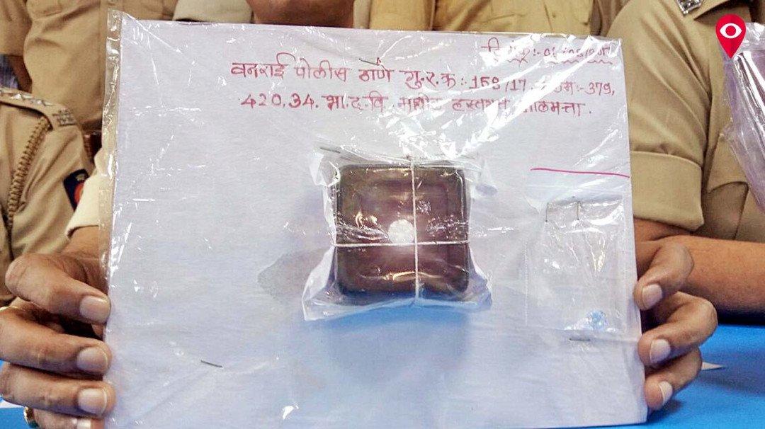 शैम्पू में से निकला 32 लाख का हीरा, दो चीनी नागरिक गिरफ्तार