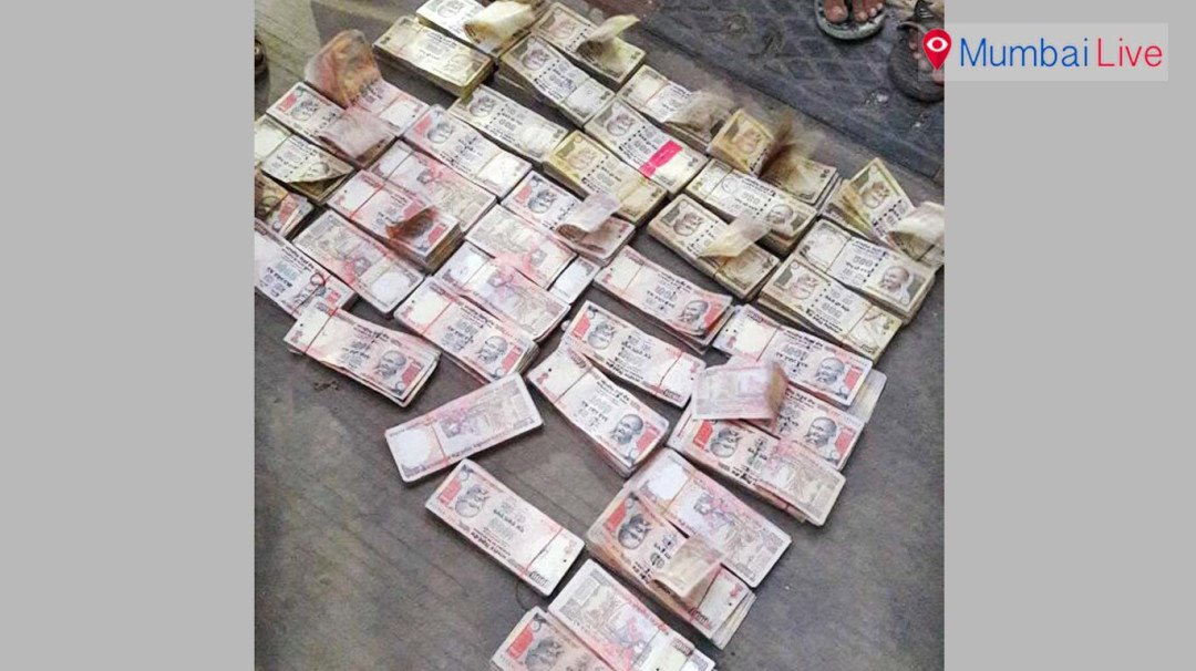 Dindoshi police seize gunny bags with old notes