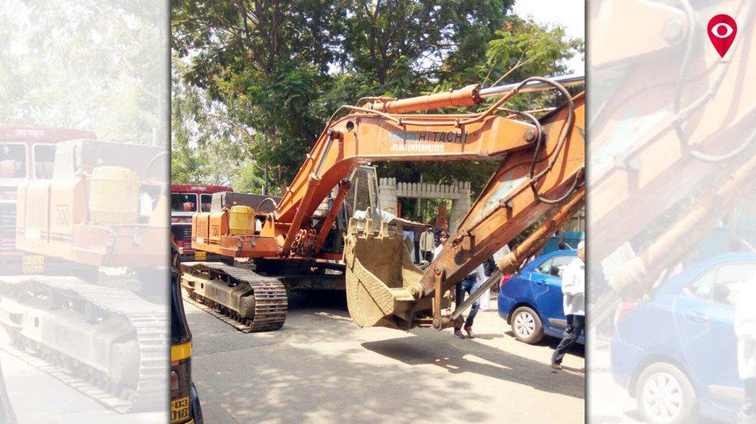 Demolishment of huts near water tankers starts in Ghatkopar