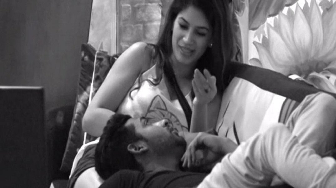 Bigg Boss 11: Puneesh and I will continue our love story even after the show, says Bandagi