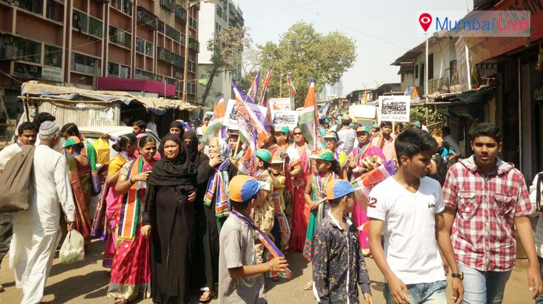 Candidates rush to streets for the last rally