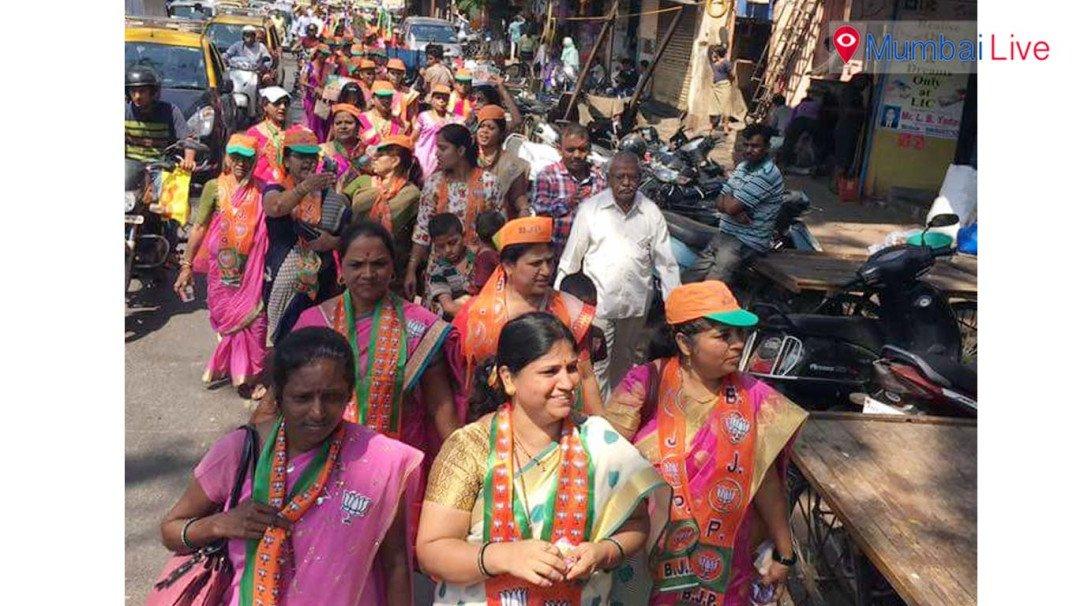 उम्मीदवारों के शक्ति प्रदर्शन से लगा ट्रैफिक जाम