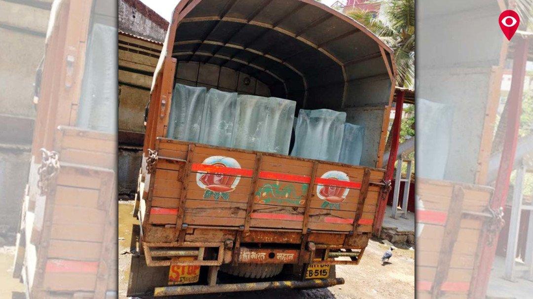 अखेर 'मुंबई लाइव्ह'च्या दणक्याने दिसला एफडीएला दूषित बर्फ !