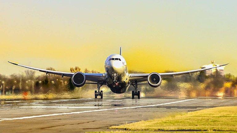 शिर्डीचा प्रवास करा विमानाने