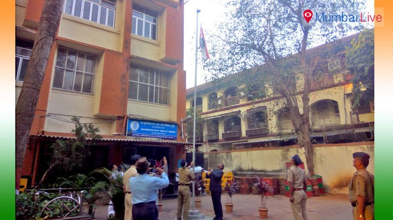 G/North ward unfurls national flag