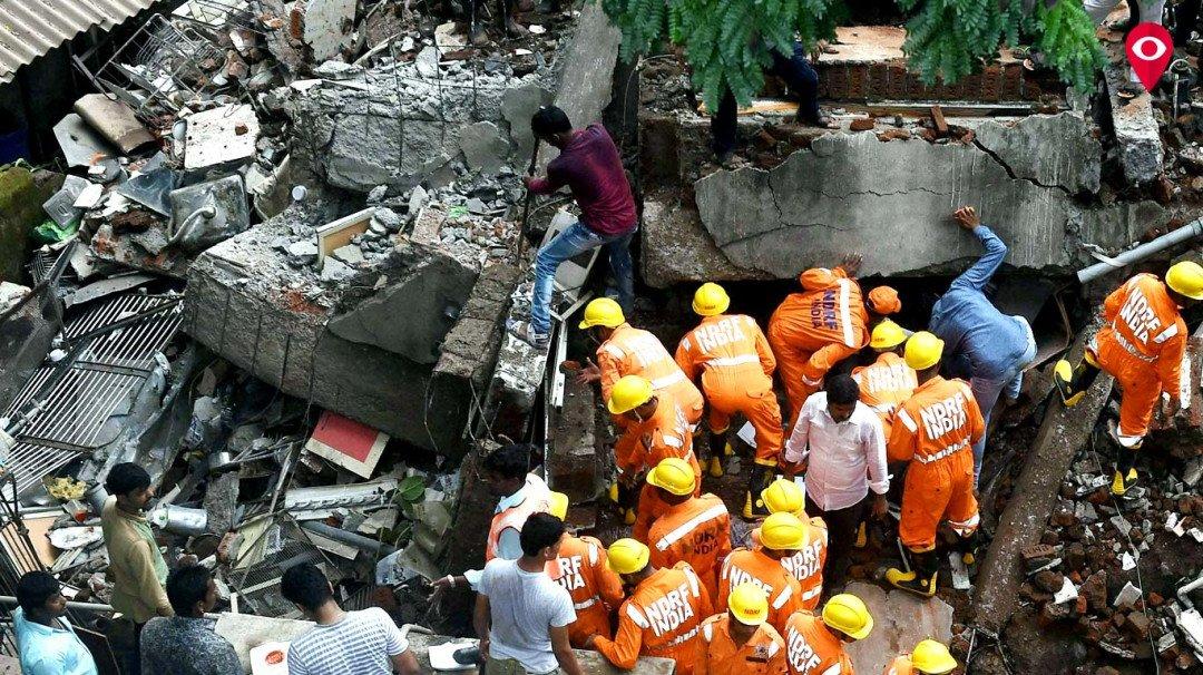 घाटकोपर इमारत दुर्घटना : पालिकेचे सहा कर्मचारीही अडकणार