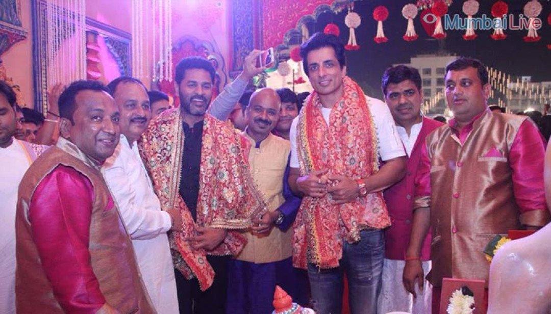 Dandiya with 'Sonu' & 'Prabhu'