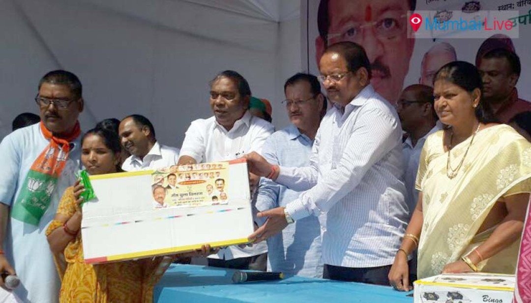 Gopal Shetty empowers women with gas stoves