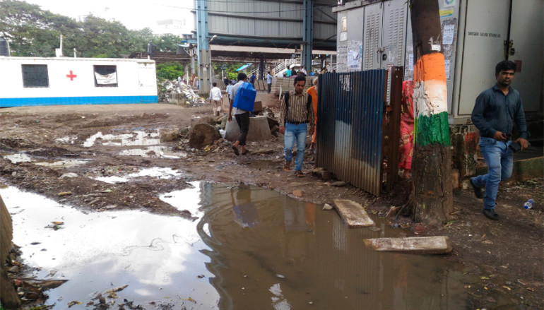 Construction' causing 'Obstruction' in Goregaon