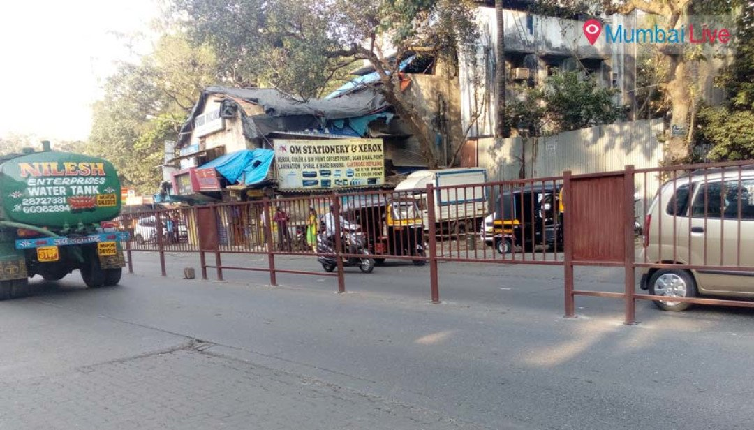 Road barricades installed in Goregaon