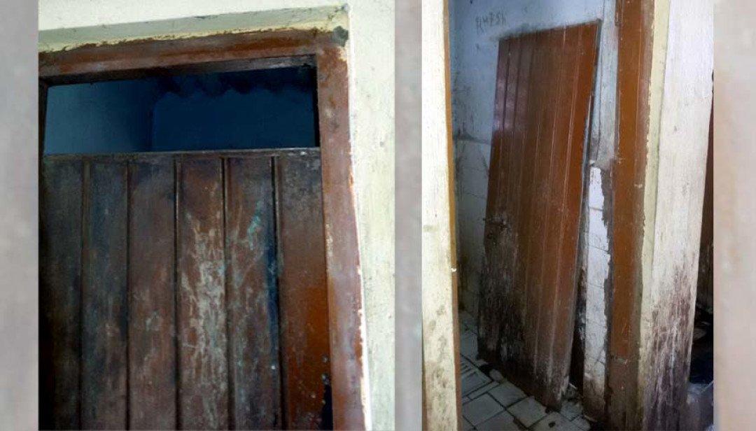 बिना दरवाजे के शौचालय जाने को मजबूर