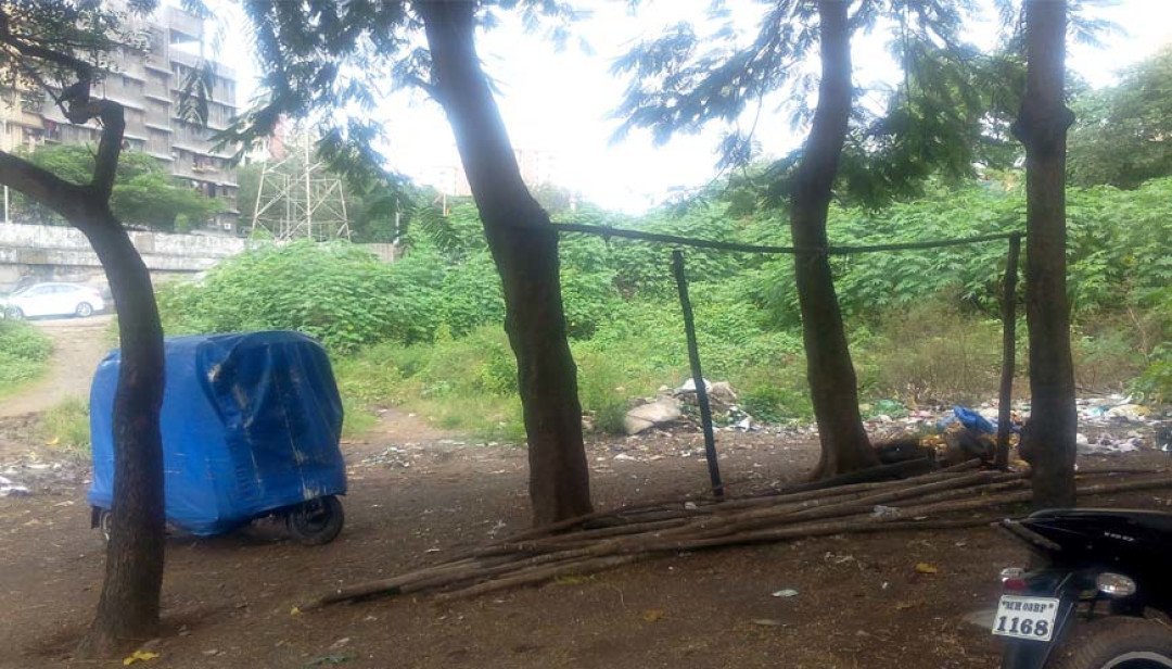 Playground in bad condition