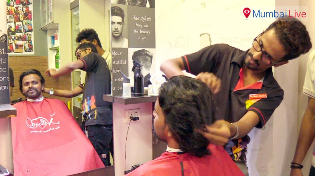 Youngsters avail 15% discount on haircut on V-Day