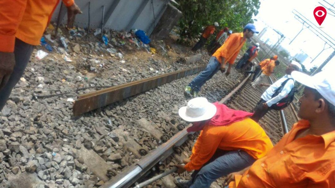 Railway tracks on Harbour lines develop cracks