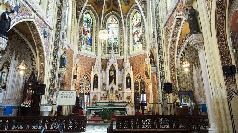 Christmas 2020; मुंबईतील प्रसिद्ध चर्च, कसा साजरा होणार ख्रिसमस?