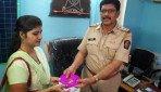 रेलवे पुलिस ने लौटाया चोरी हुआ सामान
