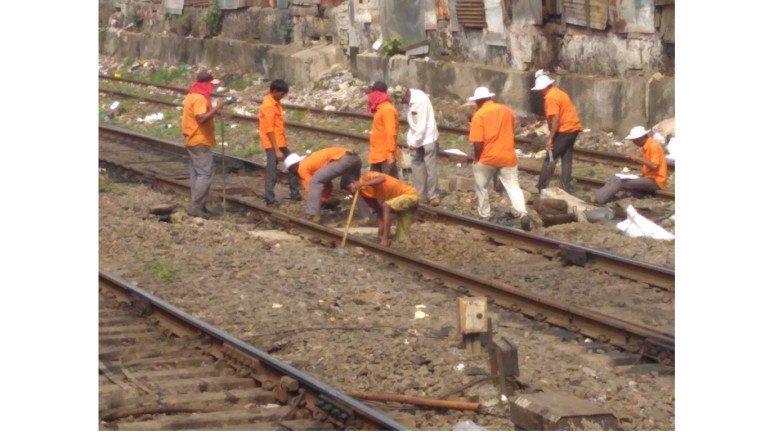 रविवारी को मध्य और हार्बर रेलवे पर मेगाब्लॉक तो पश्चिम रेलवे पर जम्बो ब्लॉक