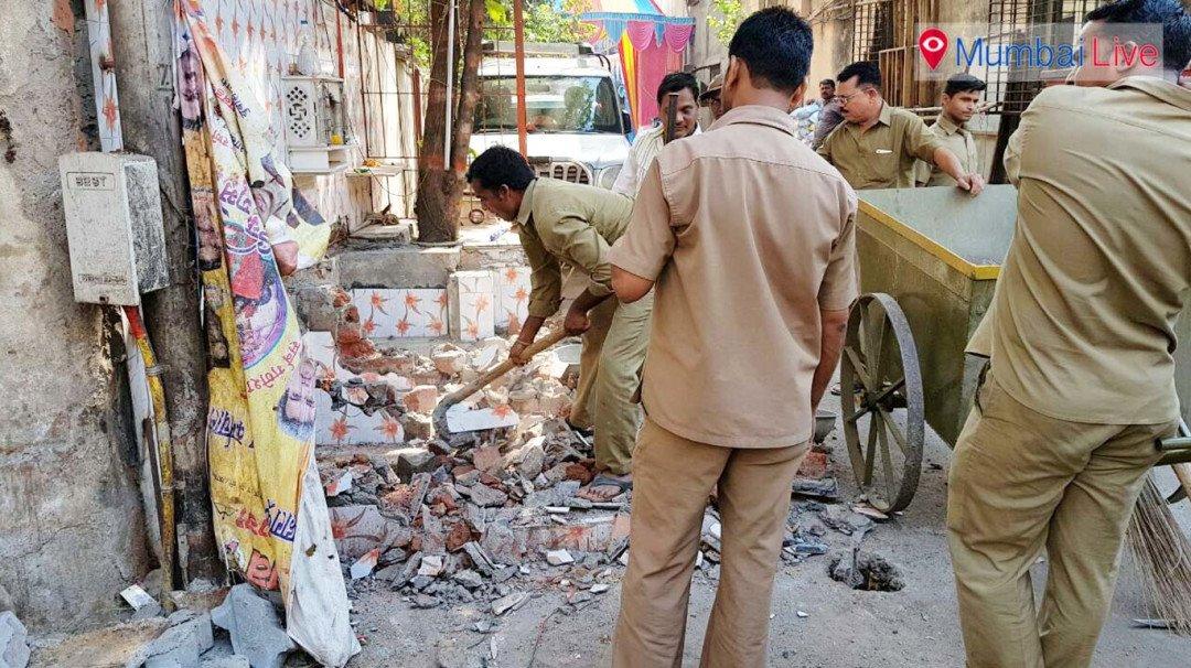 अवैध धर्म स्थल पर तोड़क कार्रवाई