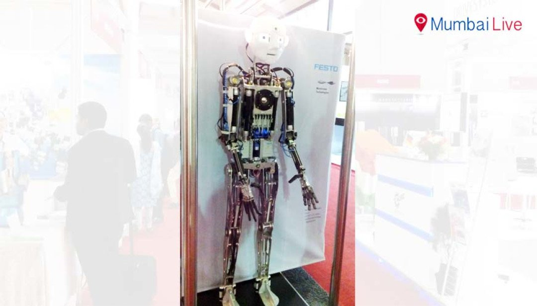 Unique robot grabs eyeballs at Win India expo