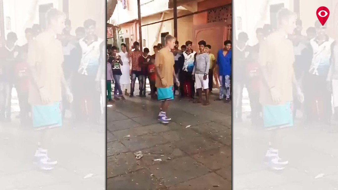 Justin Beiber spotted playing football with kids in Mumbai