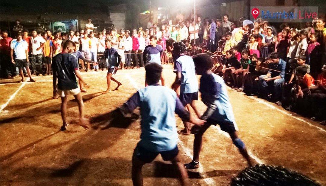 कबड्डी टूर्नामेंटमध्ये कुर्ल्याचा संघ विजयी