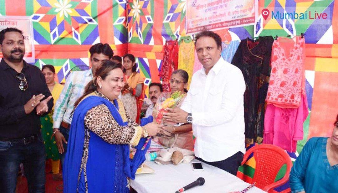 Ashish Shelar inaugurates women's SHG exhibition