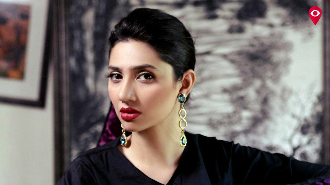 Why is Mahira Khan unsatisfied about her Bollywood debut?