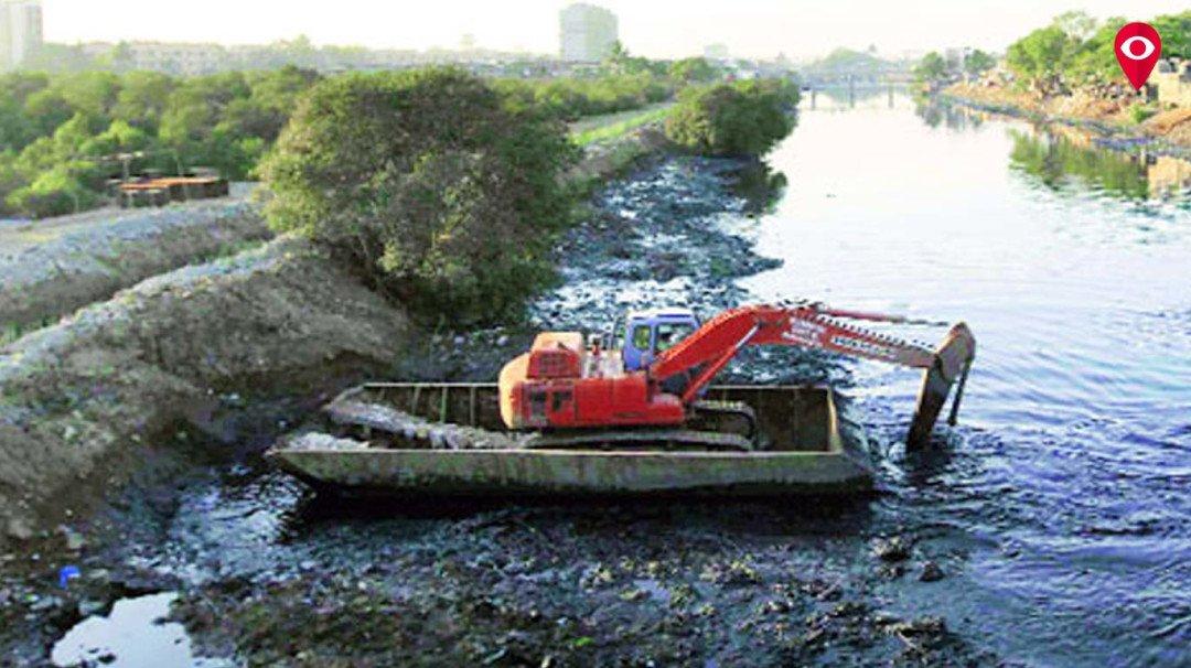 मिठी नदी प्रदूषित, फक्त किनारेच करणार सुशोभित