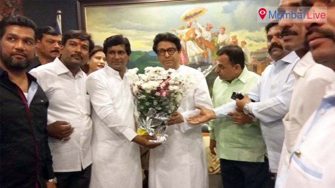 Congress workers join MNS
