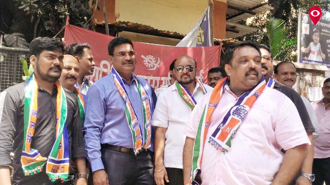 MNS party workers protest outside BMC office