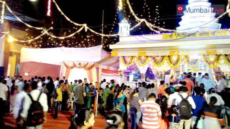 Devotees throng Chembur Ganesh