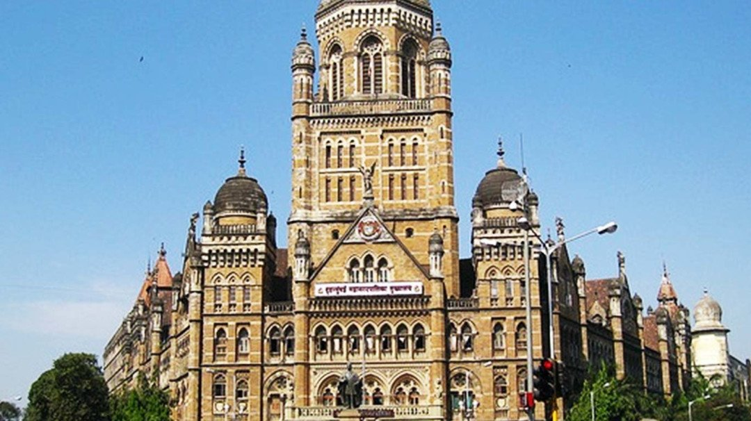 Corporators blame senior engineers for not letting them use their funds