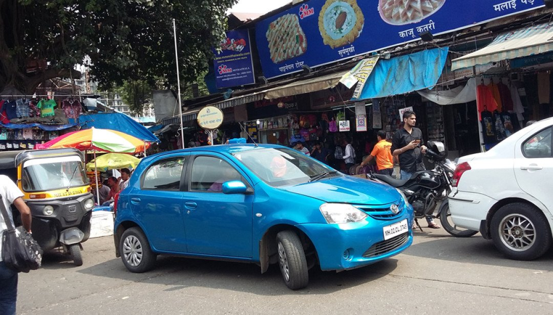 Four-wheelers a problem for commuters