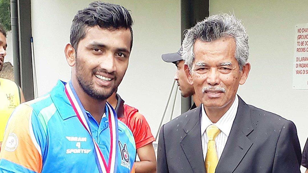 मलेशिया में मुंबई सीसी टीम वियजी