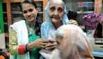 दहिसरमध्ये महिलांना मोफत साडीवाटप