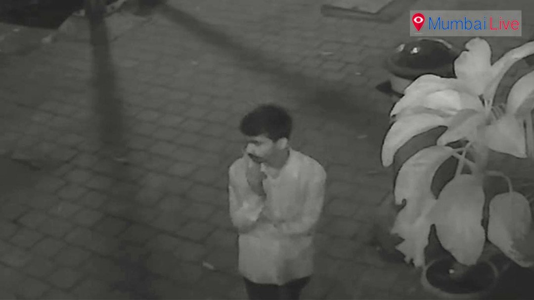 Burglar steals expensive mobile, incident captured on CCTV