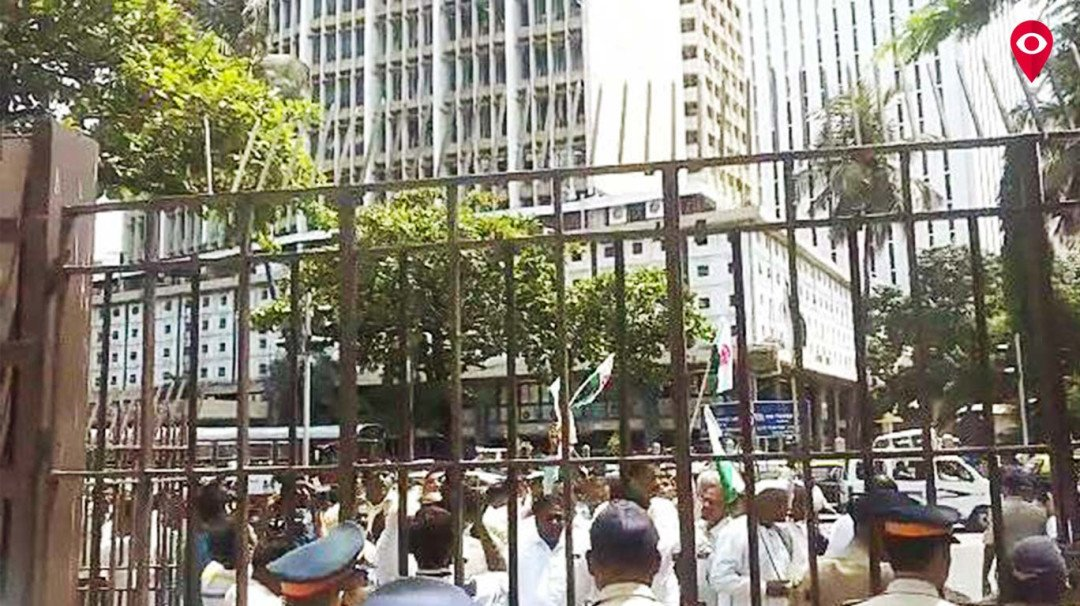मंत्रालय के बाहर किसानों का आंदोलन