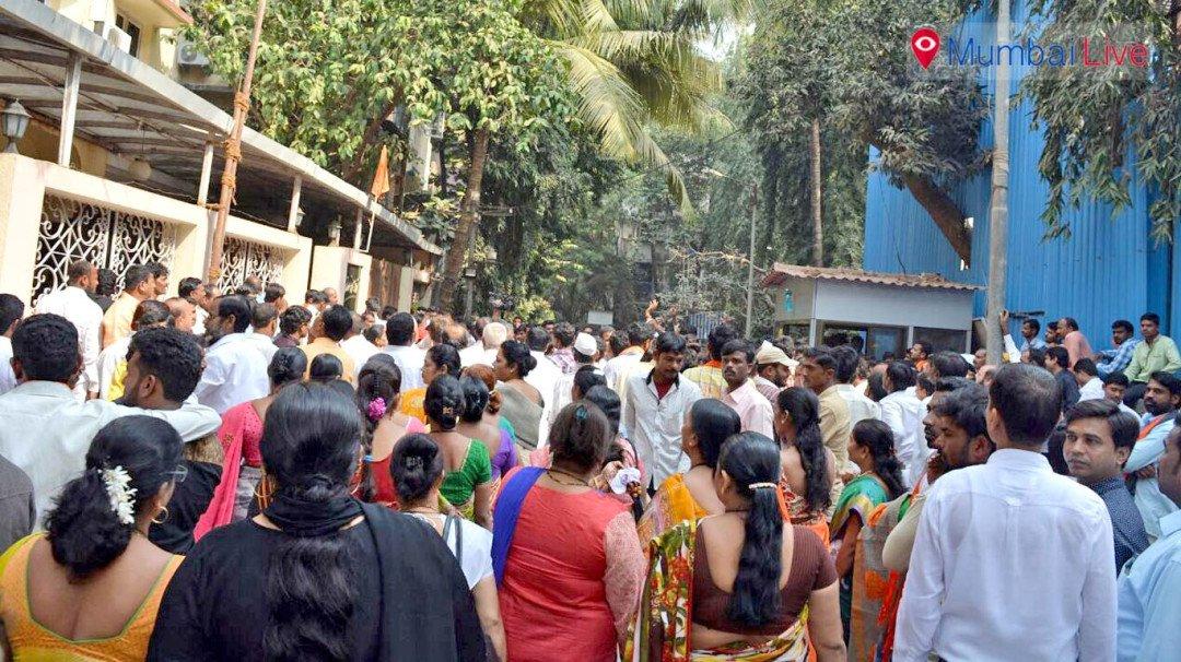 Uddhav asks ticket aspirants to stay united
