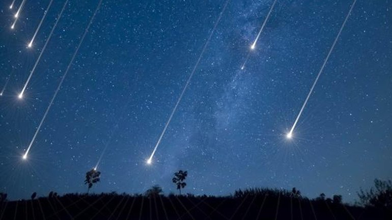 Stargazing! You can relish a Meteor Shower happening around Mumbai with a dedicated group