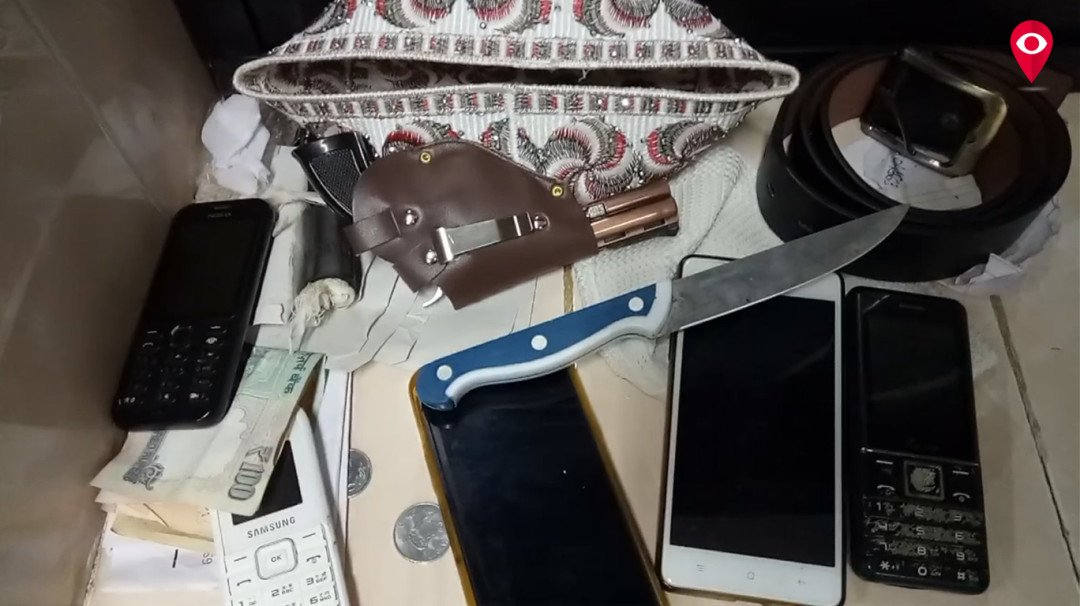 RPF arrest ace mobile robber